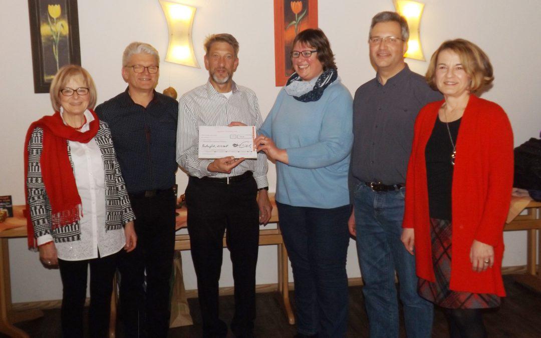 Gospel and More übergibt Spende an das ökumenische Frauenhaus Pforzheim